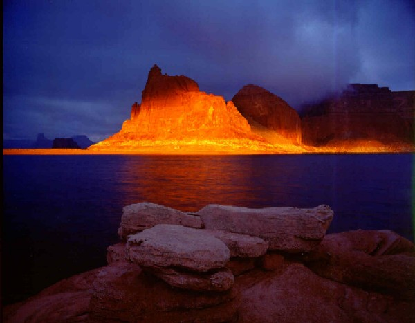 Lake Powell And Page Arizona A Water Wonderland In The Desert